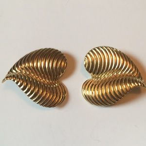 Vintage Givenchy clip earrings 80s golden hearts